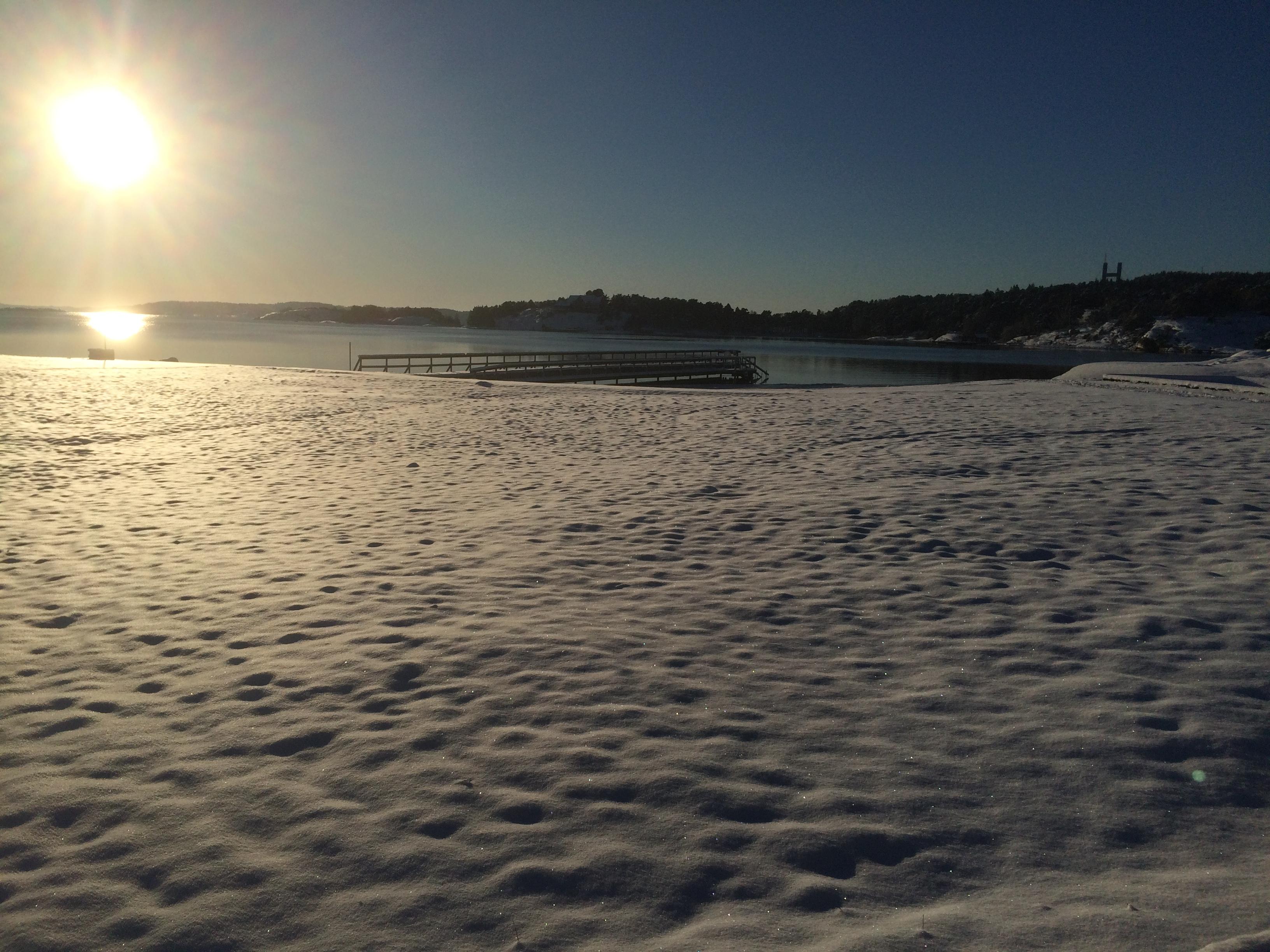 Södra Stenungsön i vinterskrud